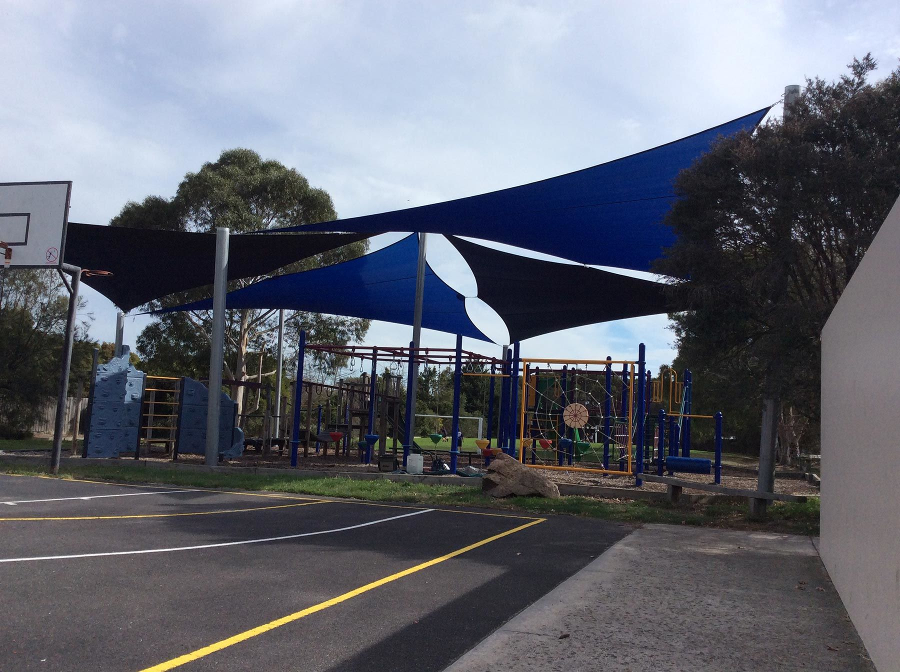 large shade sails in school on the mornington peninsula
